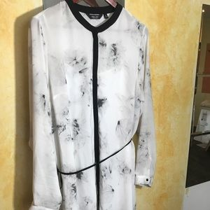 Classic Shirtdress, White Abstract Print Size XL